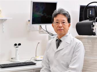 眼科専門医による診察、治療